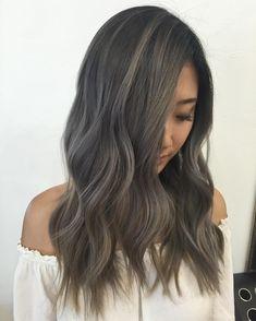 いいね!418件、コメント10件 ― KY COLOR { ista }さん(@kycolor)のInstagramアカウント: 「Ash tones and hair flips. @fanola_usa #kycolor #ash #blonde #longhair #asian #hair #fanola…」