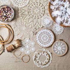 100均のドイリー+刺繍枠で簡単♪春らしいドリームキャッチャーの作り方 | CRASIA(クラシア)