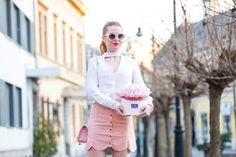 Lace Skirt, Flower, Box, Skirts, Fashion, Moda, Snare Drum, Fashion Styles, Skirt