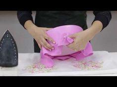Foam Crafts, Diy And Crafts, Bolo Artificial, Bolo Fake Eva, Bolo Fack, Fake Baby, Paper Flower Tutorial, Paper Cake, Felt Patterns
