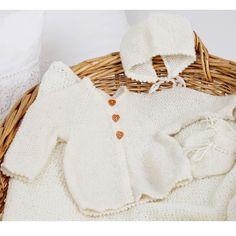 Oppskr. 1908 Perlestrikket hentesett - Garn - Nøstebarn White Shorts, Knitting, Women, Fashion, Threading, Moda, Tricot, Fashion Styles, Breien