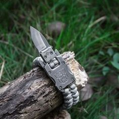 2018 New Outdoor Survival Multi Functional EDC Tactical 7 Core Umbrella Rope Bracelet With Packet Knife Transformer Self Defense