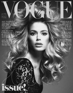 50 covers Vogue Italia February by Steven Meisel. Vogue Portugal March and Vogue Nippon August Vogue Deutsch January by Mark Abrahams. Vogue China July and Vogue Nippon November… Vogue Magazine Covers, Fashion Magazine Cover, Fashion Cover, Vogue Covers, Vogue Korea, Vogue Japan, Doutzen Kroes, Joan Smalls, Vogue Fashion