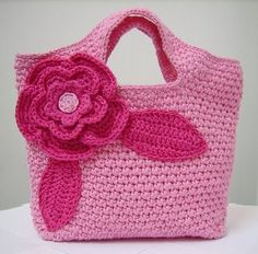 Espero que gostem da postagem de hoje,com lindas bolsas em crochê.                 Mayra Barbosa