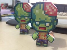 """Toge Productions su Twitter: """"Help! Infectonator zombies are invading our desks! #indiedev #gamedev #papercraft https://t.co/72jzoRh9hv"""""""
