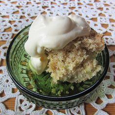 Herkkuja leipomassa: Raparperi-kaurapaistos/ Rhubarb Oatmeal Casserole Rhubarb Oatmeal, Pyrex, Casserole, Ice Cream, Desserts, Food, No Churn Ice Cream, Gelato, Deserts