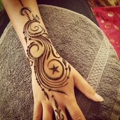 ✨ #sacredadornment #celestial #hennapro #henna #heartfirehenna #hennamagic #sacredadornment #blessed #mehndi