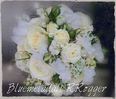Brautstrauss in creme-weiss mit Wicken, Maiglöckchen, Rosen... Ein herrlicher Duft <3