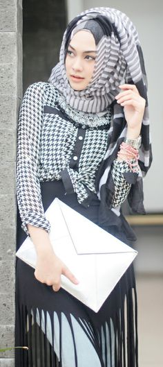 Indah Nada Puspita | Upload by #Suheri034 I'm sorry ... no I'm not this woman has got it . i love all her fashion