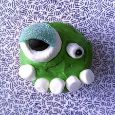 'creepcake' - a bug-eyed alien.  See the How To's for this and some other darling creepy cupcake ideas!