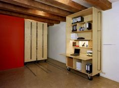 Bedroom, Walk-in closet, wood, plywood
