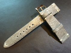 Great real Ostrich leg leather watch strap for Rolex watch. This is vintage style strap and ideal to put this on silver dial Rolex, great deal! Reasonable price but with an excellent quality.
