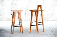 Barstühle | Sitzmöbel | Grable Hocker | QoWood. Check it out on Architonic