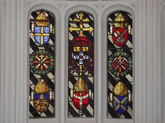 Cardinal Wolsey's Heraldry (centre) at Hampton Court King Henry, Henry Viii, Leaded Glass Windows, Wars Of The Roses, I Saw The Light, Hampton Court, Tudor History, Crests, Coat Of Arms