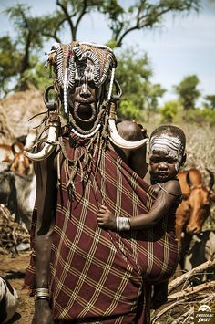 Southern Ethiopia/Omo Valley/Mursi tribe African Image, Mursi Tribe, Tribal People, African Tribes, First Humans, African Culture, World Cultures, People Around The World, Black Is Beautiful