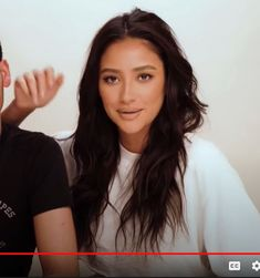 Shay Mitchell, Everyday Look, Casual Looks, Long Hair Styles, Lifestyle, Beauty, Long Hairstyle, Long Haircuts, Long Hair Cuts