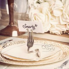 Disposable Place Setting dinnerware by smartyhadaparty.com.