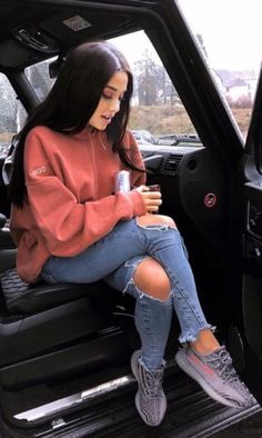Beautiful Outfits To Try Out Now! 31 Beautiful Outfits To Try Out Now! 31 Beautiful Outfits To Try Out Now! Chill Outfits, Trendy Outfits, Cute Outfits, Fashion Outfits, Ariana Grande Outfits Casual, Trend Fashion, Fashion Women, Edgy Teen Fashion, Bohemian Fashion