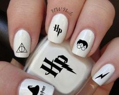 Harry Potter Nail Art Aufkleber - Make up Harry Potter Nail Art, Harry Potter Nails Designs, Best Nail Art Designs, Acrylic Nail Designs, Nail Art Diy, Easy Nail Art, Trendy Nails, Cute Nails, Maquillage Harry Potter