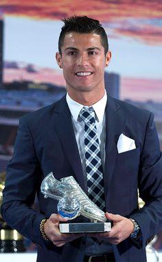 Cristiano Ronaldo Trophies, Cristiano Ronaldo Images, Cristiano Ronaldo Wallpapers, Cristiano Ronaldo Juventus, Ronaldo Memes, Ronaldo Quotes, Cristino Ronaldo, Soccer Guys, Soccer Players