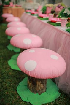 Mushroom Stools for Fairy Garden Party I think I might put something like this in little lady's magic spot.