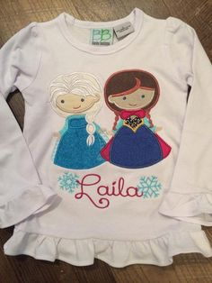 Frozen applique shirt anna and elsa personalized by jlmparty Monogram Shirts, Personalized Shirts, Disney Diy, Disney Crafts, Disney Shirts, Disney Outfits, Frozen Birthday Outfit, Sewing Appliques, Machine Embroidery Applique