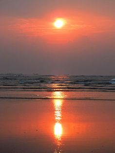 Glorious sunrise at Digha - Photographed by Aishwanee Basu