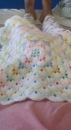 Crochet Baby Blanket Free Pattern, Crochet Quilt, Granny Square Crochet Pattern, Crochet Stitches Patterns, Crochet Squares, Baby Patterns, Easy Crochet, Baby Shawl, Baby Afghans