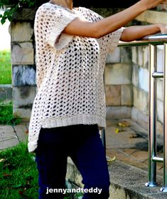 summer lovely easy tunic free crochet pattern beginner friendly by jennyandteddy Crochet Jacket, Crochet Tunic Pattern, Crochet Jumper, Crochet Saco, Crochet Tops, Crochet Sweaters, Crochet Dresses, Crochet Stitch, Cotton Crochet