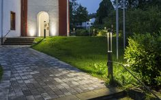 How To Create A Perfect Garden Lighting. Tips and hints, best articles and expert advice about garden lighting Solar Garden Lanterns, Solar Patio Lights, Patio String Lights, Outdoor Party Lighting, Patio Lighting, Landscape Lighting, Lighting Ideas, Outdoor Trees, Outdoor Walls