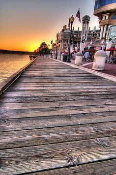 georgetown waterfront. Best outdoor eating in DC. a few ideas @raybay . . .  @b R