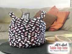 Old T Shirt Table Top Tote Tutorial #DIY #repurpose #craft from http://3Peppers-recipes.com