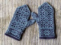 Ravelry: Quaternity pattern by Yvette Noel Knitted Mittens Pattern, Knit Mittens, Knitted Gloves, Knitting Socks, Hand Knitting, Crochet Quilt, Knit Or Crochet, Wrist Warmers, Hand Warmers