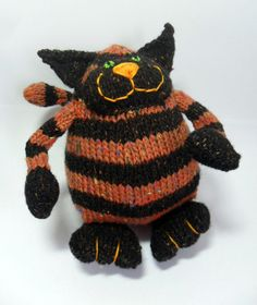 Chester the Knitted Cat by Annamaltoys on Etsy, £10.00