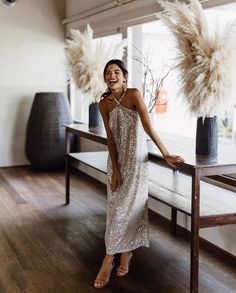 Look Fashion, Fashion Outfits, Estilo Tropical, Summer Wedding Outfits, Silver Gown, Looks Chic, Event Dresses, Occasion Dresses, Dresscode