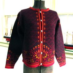 This is a classic Dale of Norway womens button up sweater. It looks like its two ply Norwegian wool. The tag reads Dale of Norway Quality From Nature Nordic Pullover, Nordic Sweater, Men Sweater, Pullover Design, Sweater Design, Cruise Fashion, Fashion Terms, Folk Fashion, Sweater Knitting Patterns