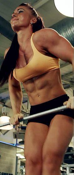 Muskulöse Lady Beim Training