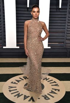 Hailee Steinfeld in Ralph & Russo Couture attends the 2017 Vanity Fair Oscar Party hosted by Graydon Carter.