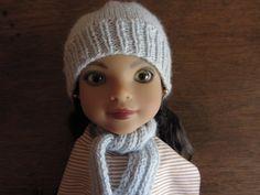 Bonnet et écharpe tricotés en laine gris clair pour poupées Corolle les chéries