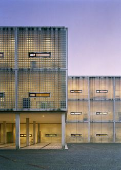 Wiel Arets - Academy of Arts and Architecture, Maastricht 1993. Via.