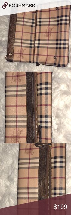 Authentic Burberry Purse Burberry Clutch great condition , smoke free/pet free home Burberry Bags Clutches & Wristlets