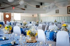love the blue and white checkered tablecloths - photo by Jelger & Tanja Photography