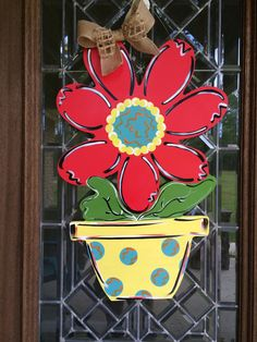 Flower pot door hanger spring door hanger summer door hanger Hey, I found this really awesome Etsy l Spring Projects, Spring Crafts, Painted Doors, Wooden Doors, Wooden Desk, Door Texture, Snowman Door, Burlap Door Hangers, Spring Door
