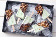 I ghiaccioli avocado e cioccolato sono una golosa e genuina merenda estiva che si realizza in modo semplice e veloce!