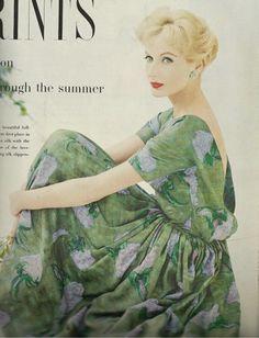 1958, green dress #2dayslook #green style #greenfashion www.2dayslook.com