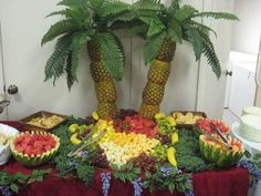 20 Ideas Fruit Party Platters Palm Trees For 2019 Party Platters, Party Buffet, Table Party, Tiki Party, Luau Party, Fruit Tables, Fruit Trays, Pineapple Palm Tree, Pineapple Fruit