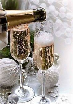 View album on Yandex. Merry Christmas, Silver Christmas, Elegant Dinner Party, Happy New Year Quotes, Champagne Toast, Color Names, New Years Eve, Party Time, Entertaining