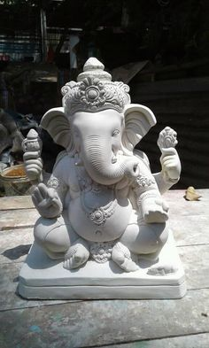 Sculptures, Clay Art, Indian Art, Lord Ganesha Paintings, Mural Wall Art, Ganesh Chaturthi Decoration, Art