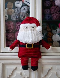 Crochet Santa Claus By Ashleigh - Free Crochet Pattern - (sewrella) Crochet Santa, Cute Crochet, Vintage Crochet, Crochet Dolls, Knit Crochet, Crochet Christmas Decorations, Christmas Crochet Patterns, Holiday Crochet, Christmas Crafts