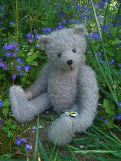 Mungo is tall and made from sparse grey mohair with wool felt paws. His nose is hand embroidered and he is weighted with tiny stee. Yarn Thread, Bear Design, Is 11, Applique Designs, Wool Felt, Kids Toys, Doll Clothes, Dolls, Teddy Bears